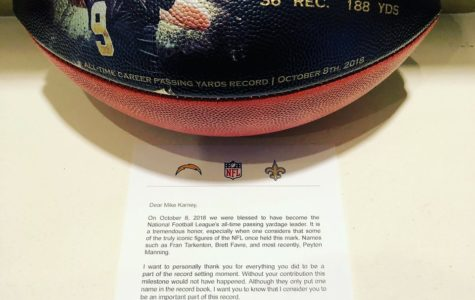 Saints Quarterback Drew Brees Gives Players and Coaches a Surprise Gift After Setting a Record